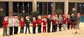 D'autres Pères Noël viennent chanter...